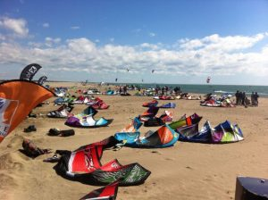 Never unnecessarily leave your kite on the beach where it will be exposed to sun, wind and sand.